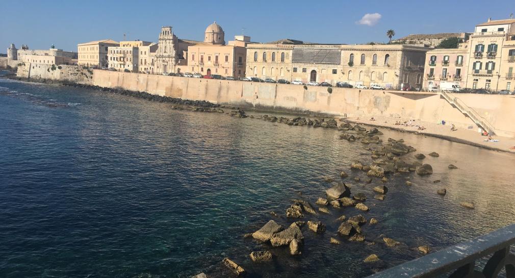 Plage typiquement italienne sur l'île d'Ortygie